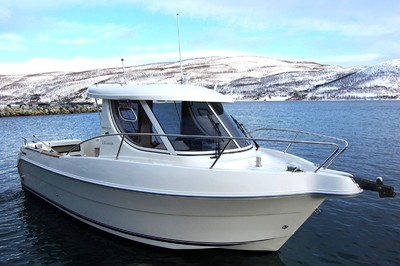 Arvor 230 with 150 HP Cummings MerCruiser 2.0  + diesel